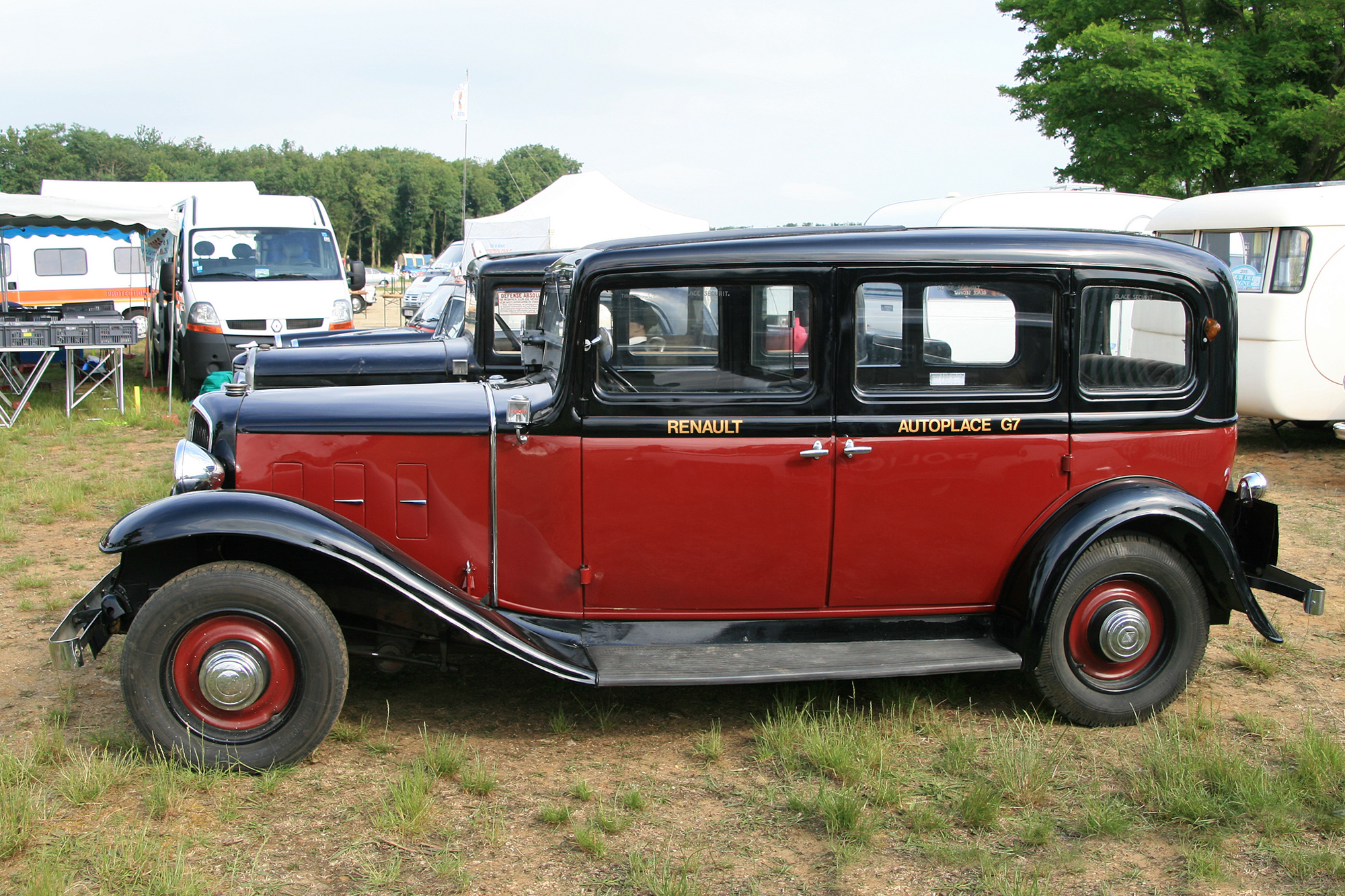 description du v hicule renault taxi g7 kz11 encyclop die automobile. Black Bedroom Furniture Sets. Home Design Ideas